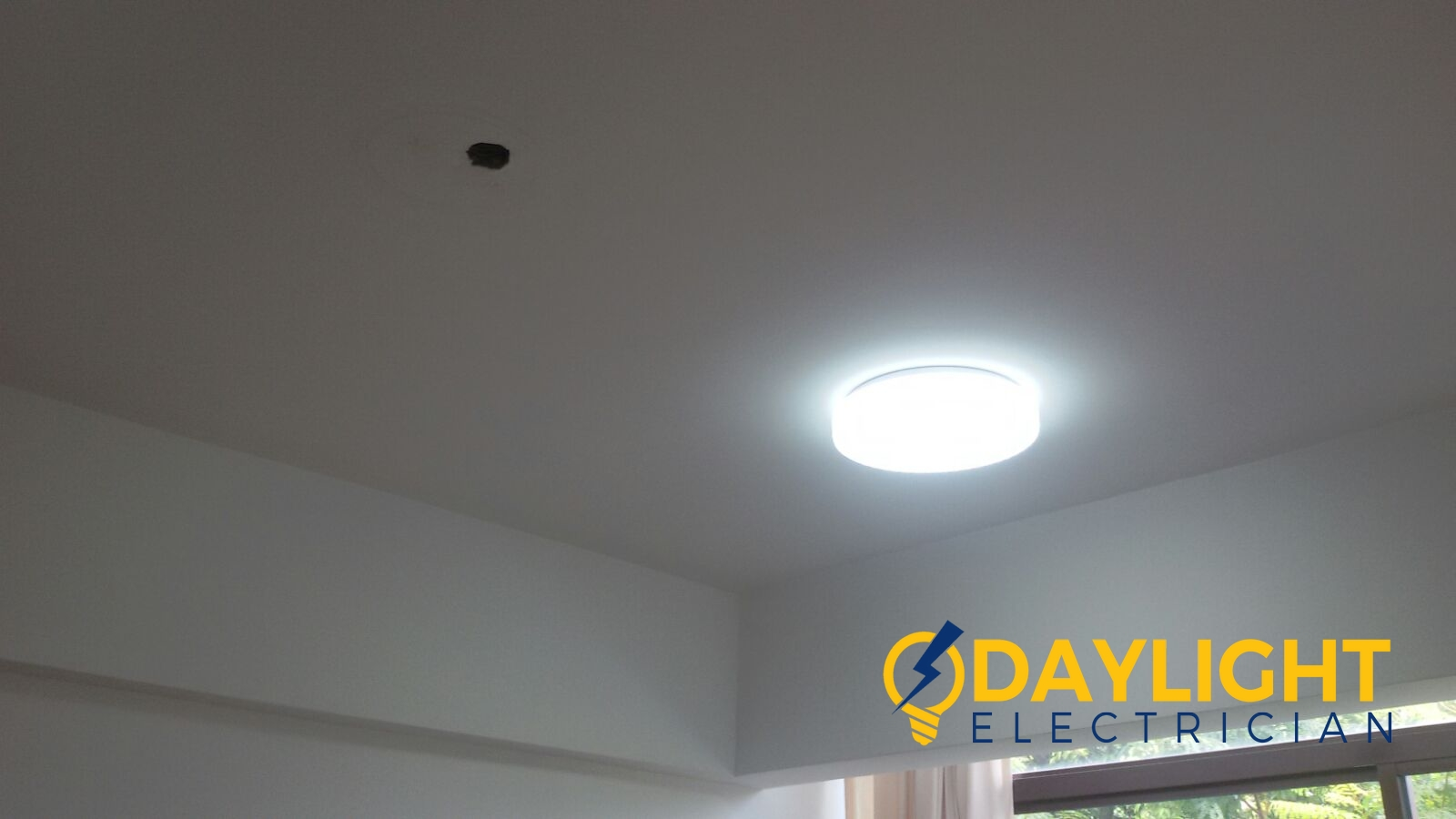 shift lighting point install 3 colour change LED ceiling light electrician singapore condo The Amarelle Paya & Shift lighting point Install 3 colour change LED ceiling light ... azcodes.com