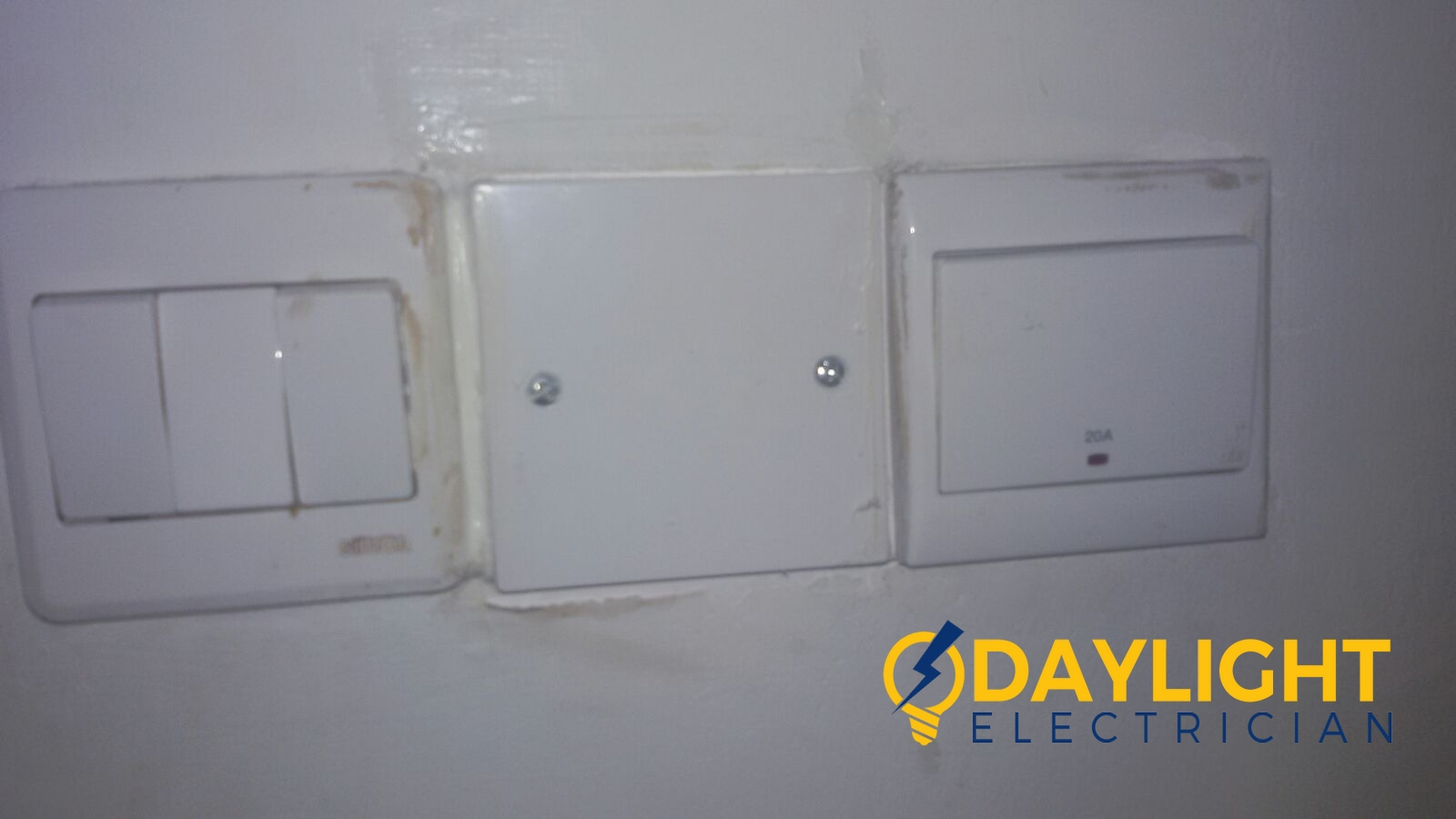 solve-water-heater-power-fault-troubleshoot-rewire-proper-cable-connection-electrician-singapore-landed-loyang-1_wm