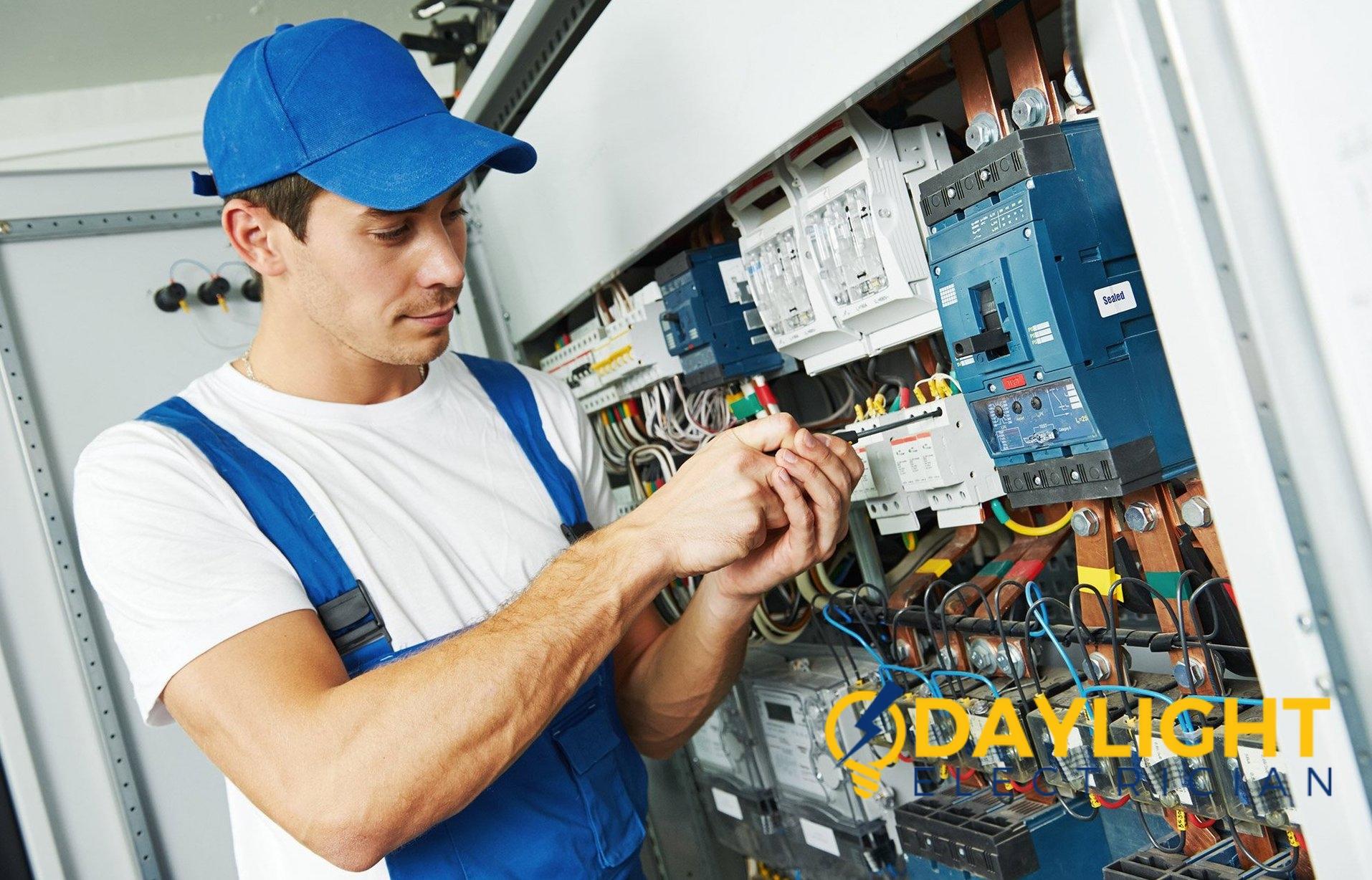 24-hour-electrician-singapore_wm
