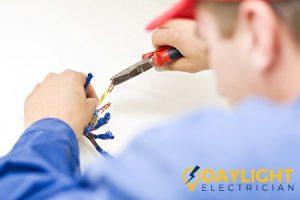 ema-licensed-electrical-worker_wm