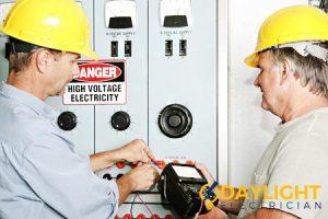 emergency-electrician-singapore_wm