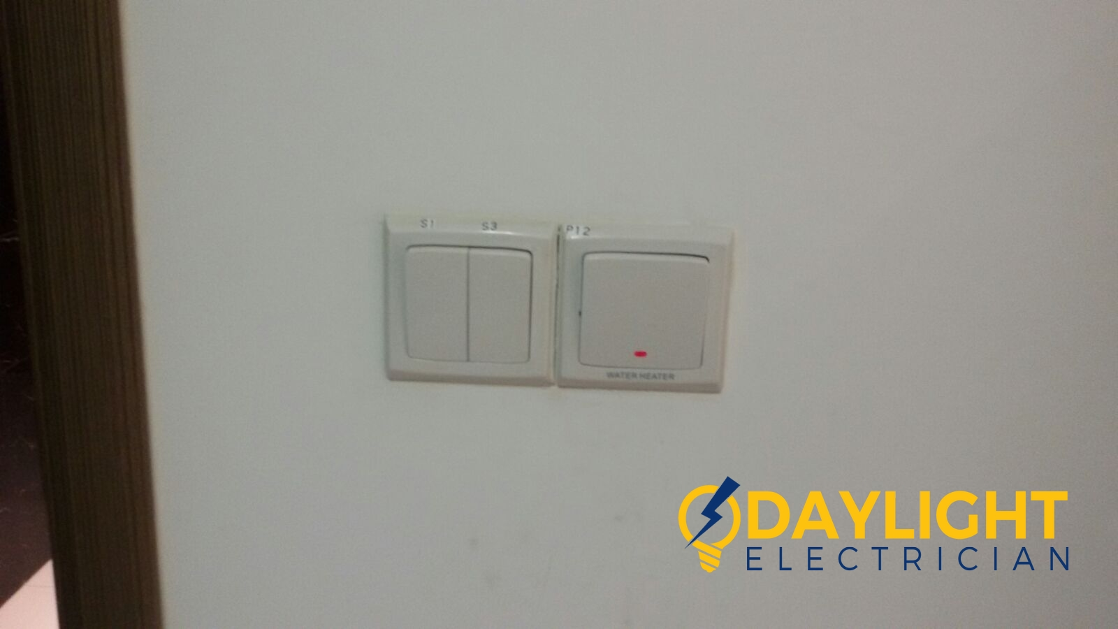 Replace-water-heater-switch-electrician-singapore-condo-tampines-flora-drive-2