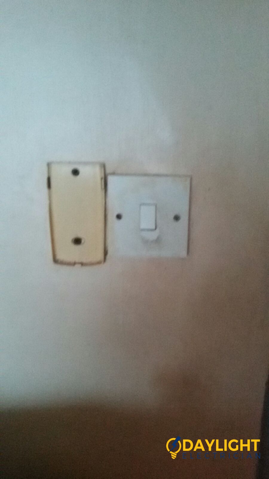 replace-light-switch-electrician-singapore-bedok-hdb-3