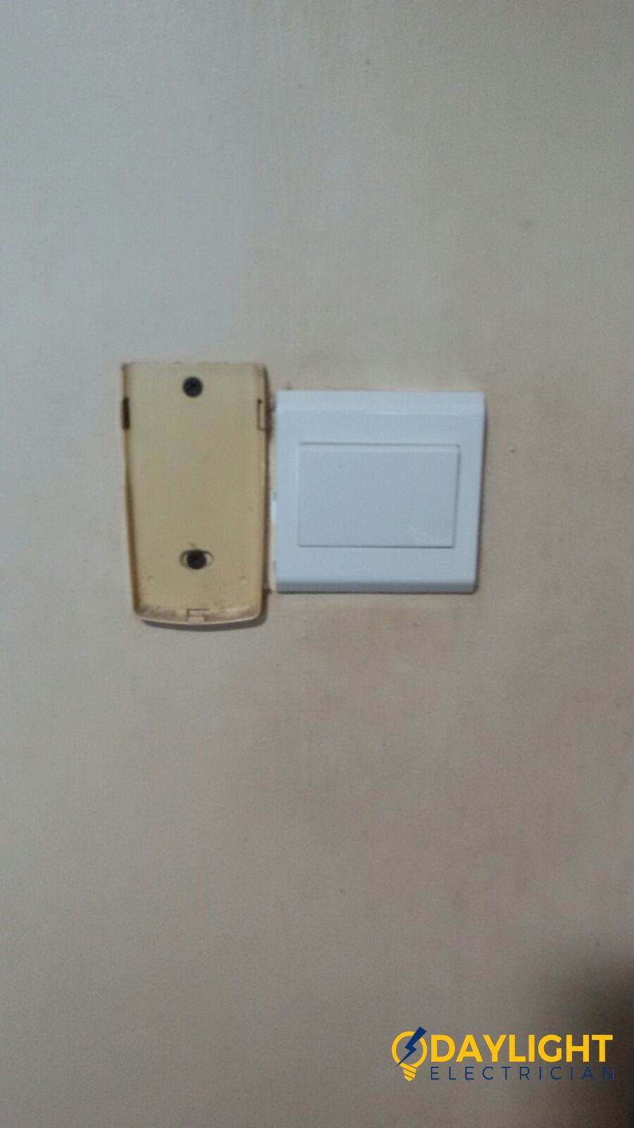 replace-light-switch-electrician-singapore-bedok-hdb-4
