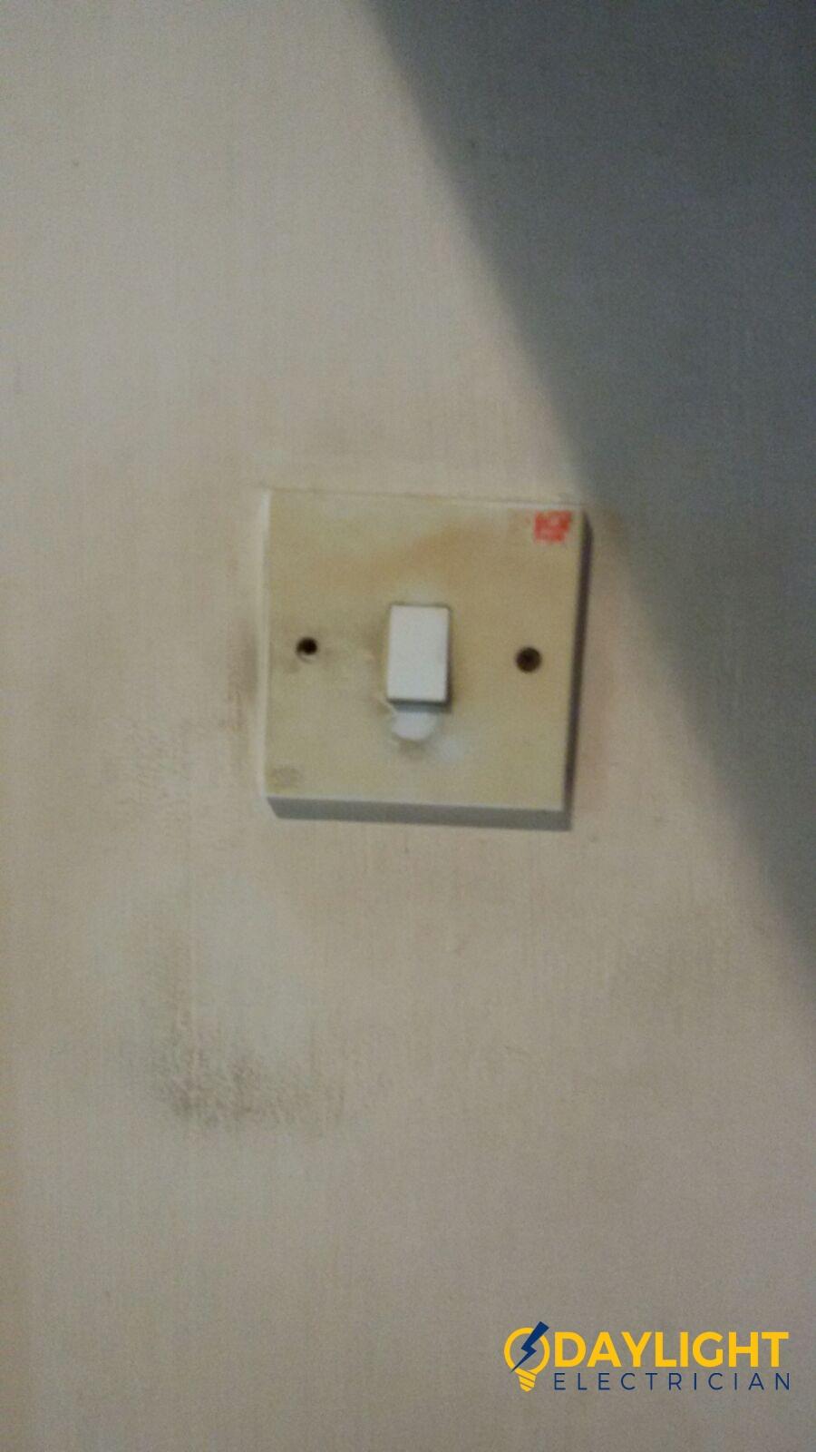 replace-light-switch-electrician-singapore-bedok-hdb-5