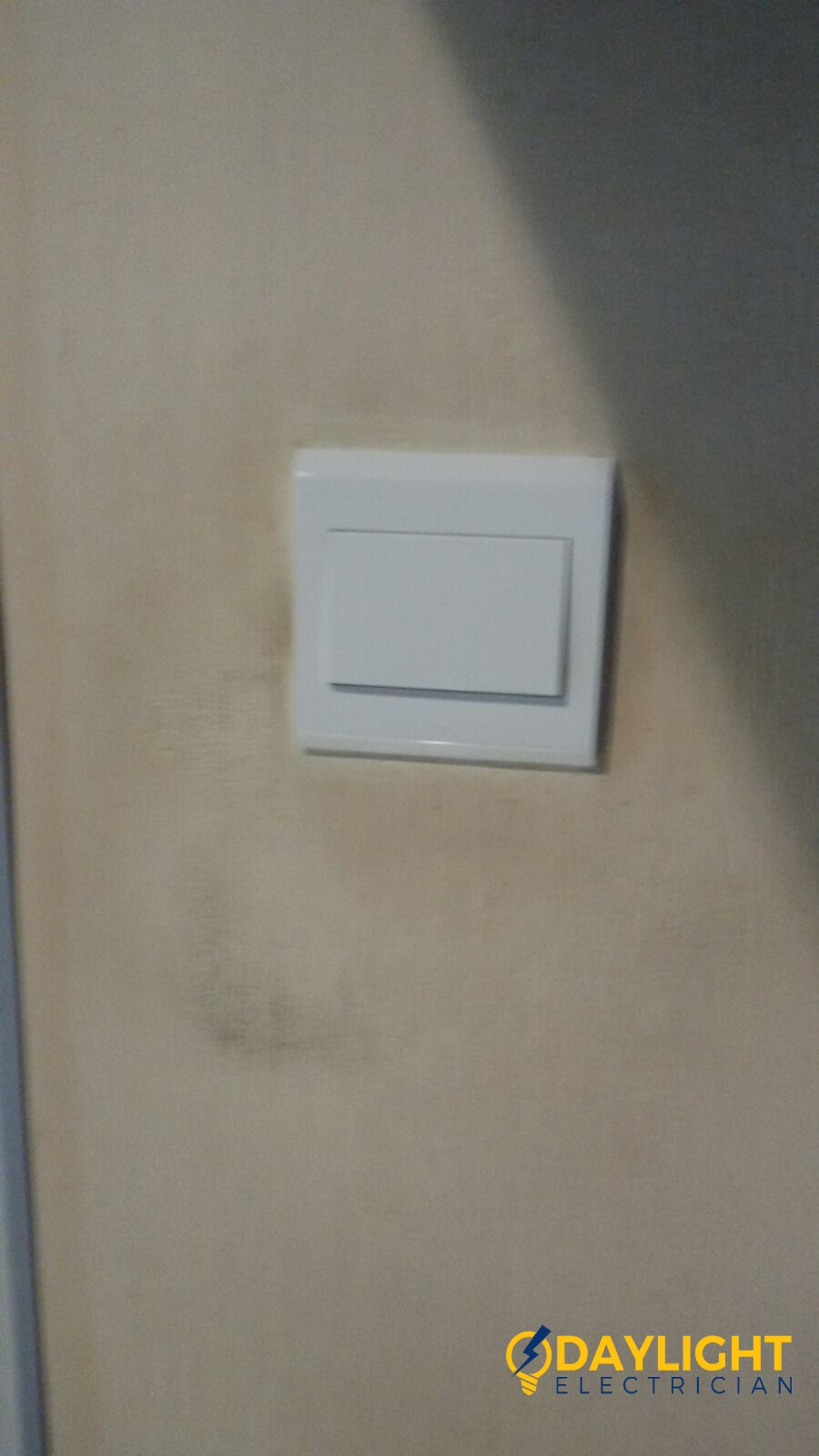 replace-light-switch-electrician-singapore-bedok-hdb-6