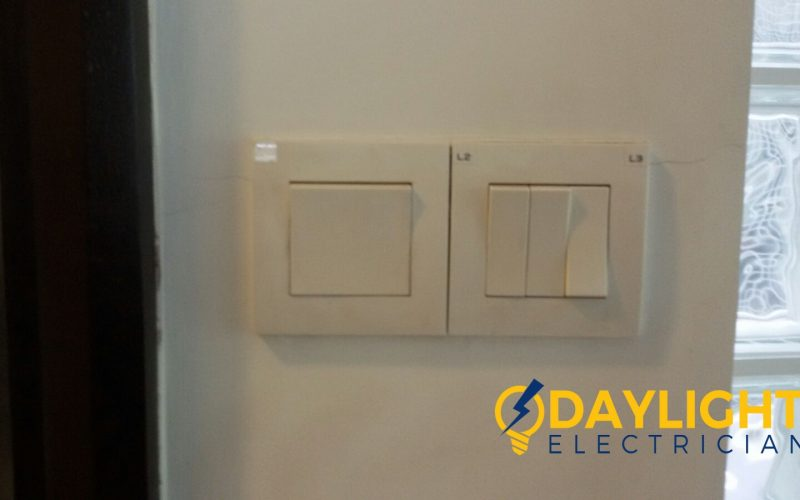 Change-light-switches-light-bulbs-electrician-singapore-landed-cashew-road-7_wm