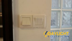 Change-light-switches-light-bulbs-electrician-singapore-landed-cashew-road-8_wm