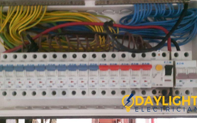Repair-distribution-board-DB-box-troubleshooting-electrician-singapore-HDB-Ang-Mo-Kio-ave-3-1_wm