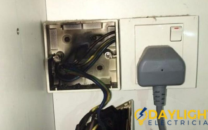 Replace-power-socket-overload-power-socket-burnt-electrician-singapore-landed-west-coast-faber-drive-7_wm