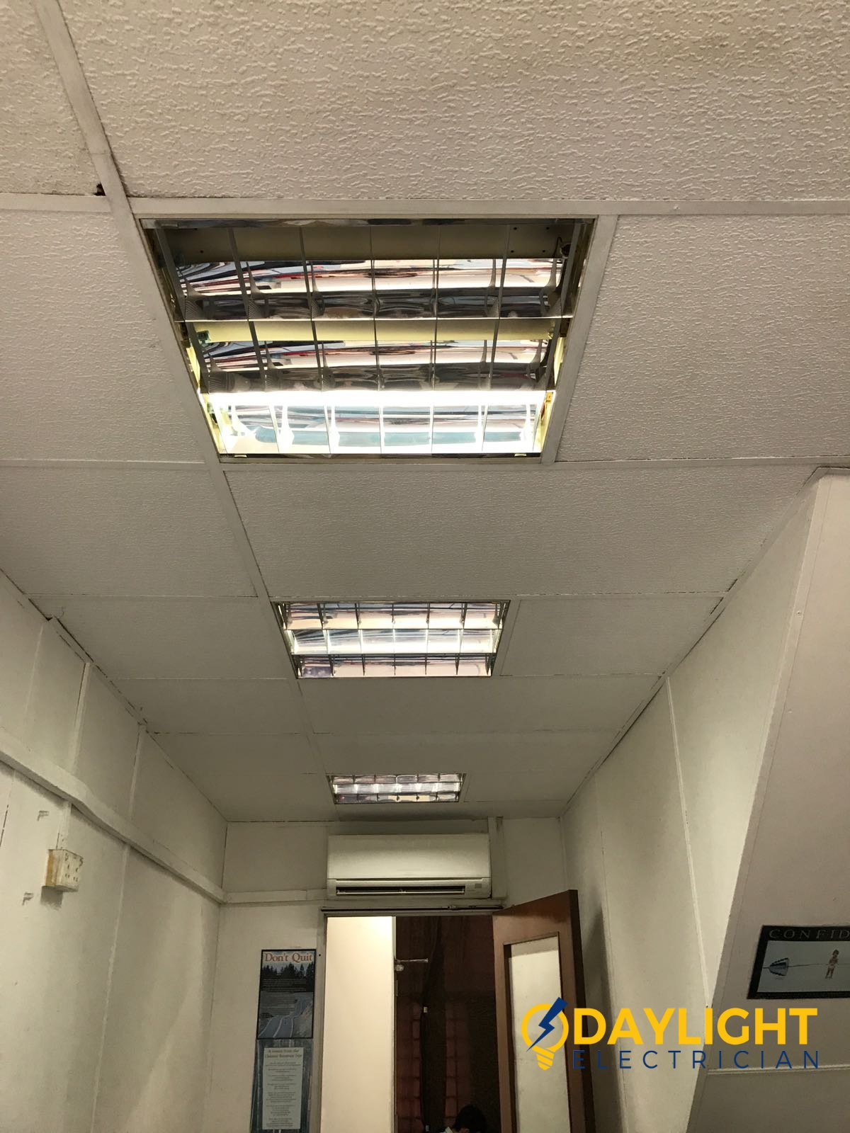 change-office-fluorescent-lights-electrician-singapore-office-Ang-mo-kio-1_wm