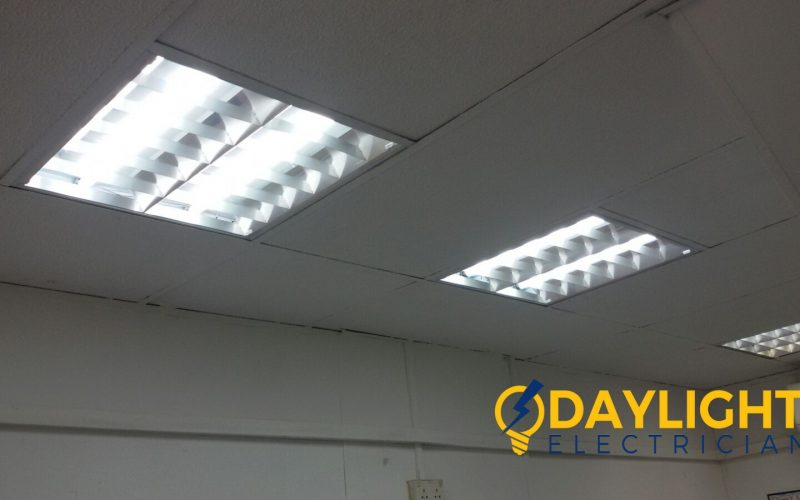 change-office-fluorescent-lights-electrician-singapore-office-Ang-mo-kio-4_wm