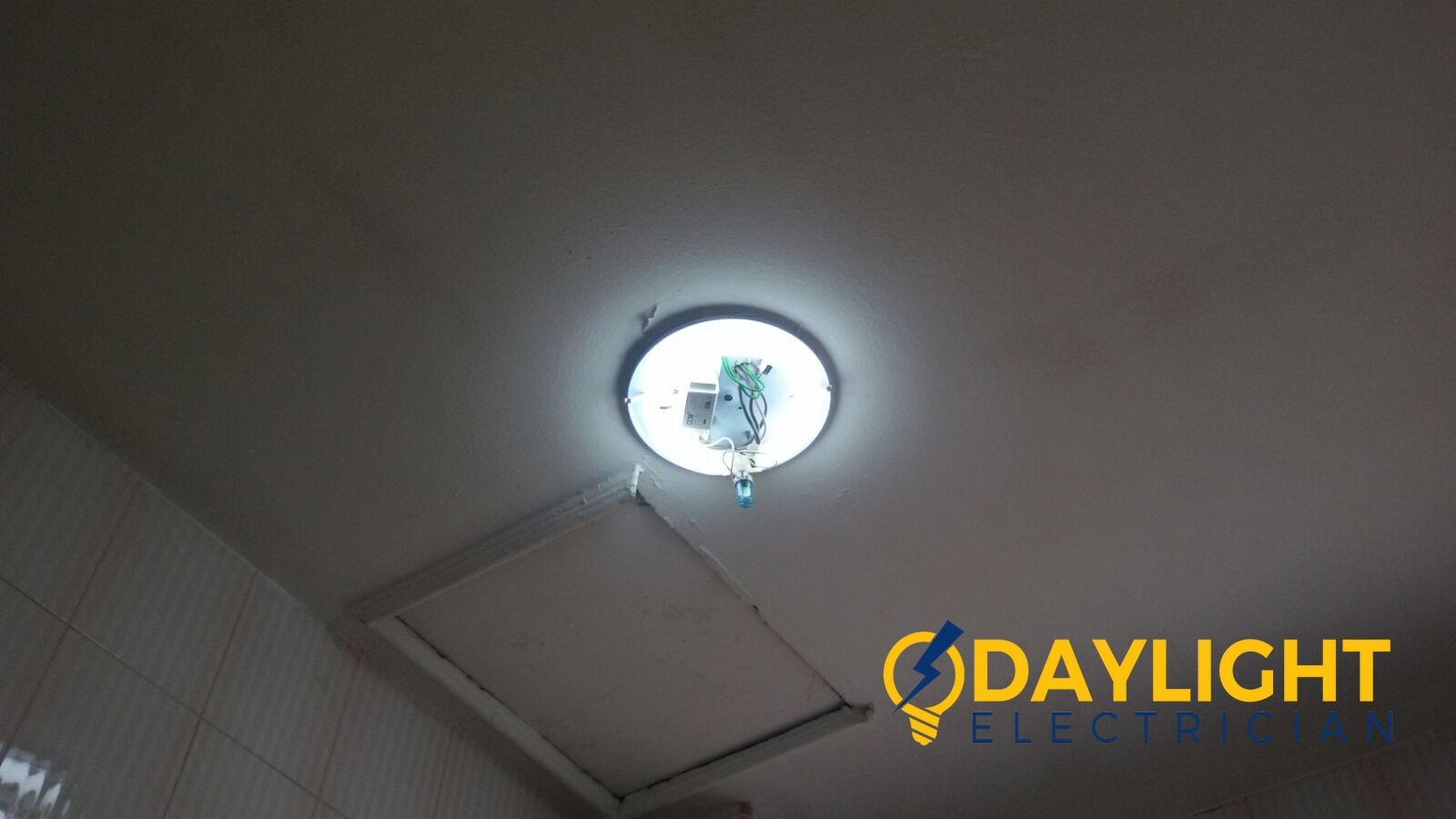 Replace Ballast Starter Ceiling Fluorescent Light Troubleshooting Electrician