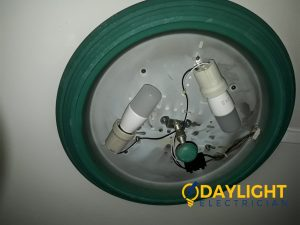 Change-round-fluorescent-tube-to-LED-bulb-HDB-electrician-singapore-2_wm