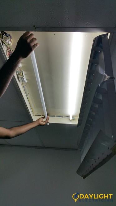 Office-Light-Replacement-Electrician-Singapore-Commercial-Raffles-City-6_wm
