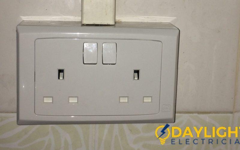 Power-Point-Replacement-Electrician-Singapore-HDB-Tiong-Bahru-2_wm