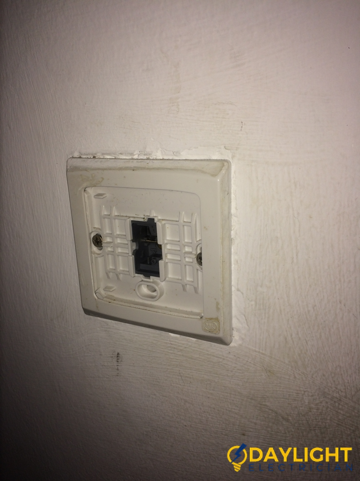 Light-Switch-Repair-Electrician-Singapore-Commercial-Jurong-East-2