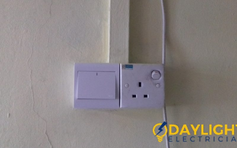 Water-Heater-Switch-Replacement-Electrician-Singapore-HDB-Clementi-4_wm
