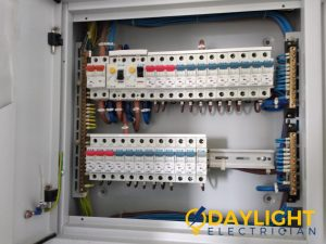 distribution-board-db-box-installation-daylight-electrician-singapore-condo-queenstown_wm