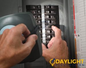 replace-circuit-breaker-daylight-electrician-singapore_wm