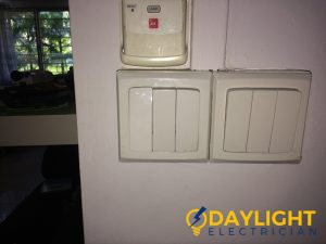 wall-light-switch-repair-daylight-electrician-singapore-hdb-clementi_wm