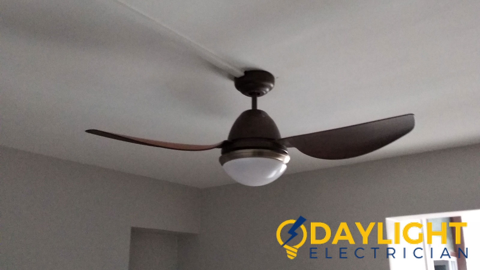 ceiling fan installation service daylight electrician singapore Condo bukit timah