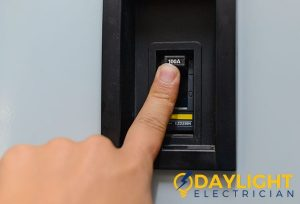 circuit breaker switch daylight electrician singapore
