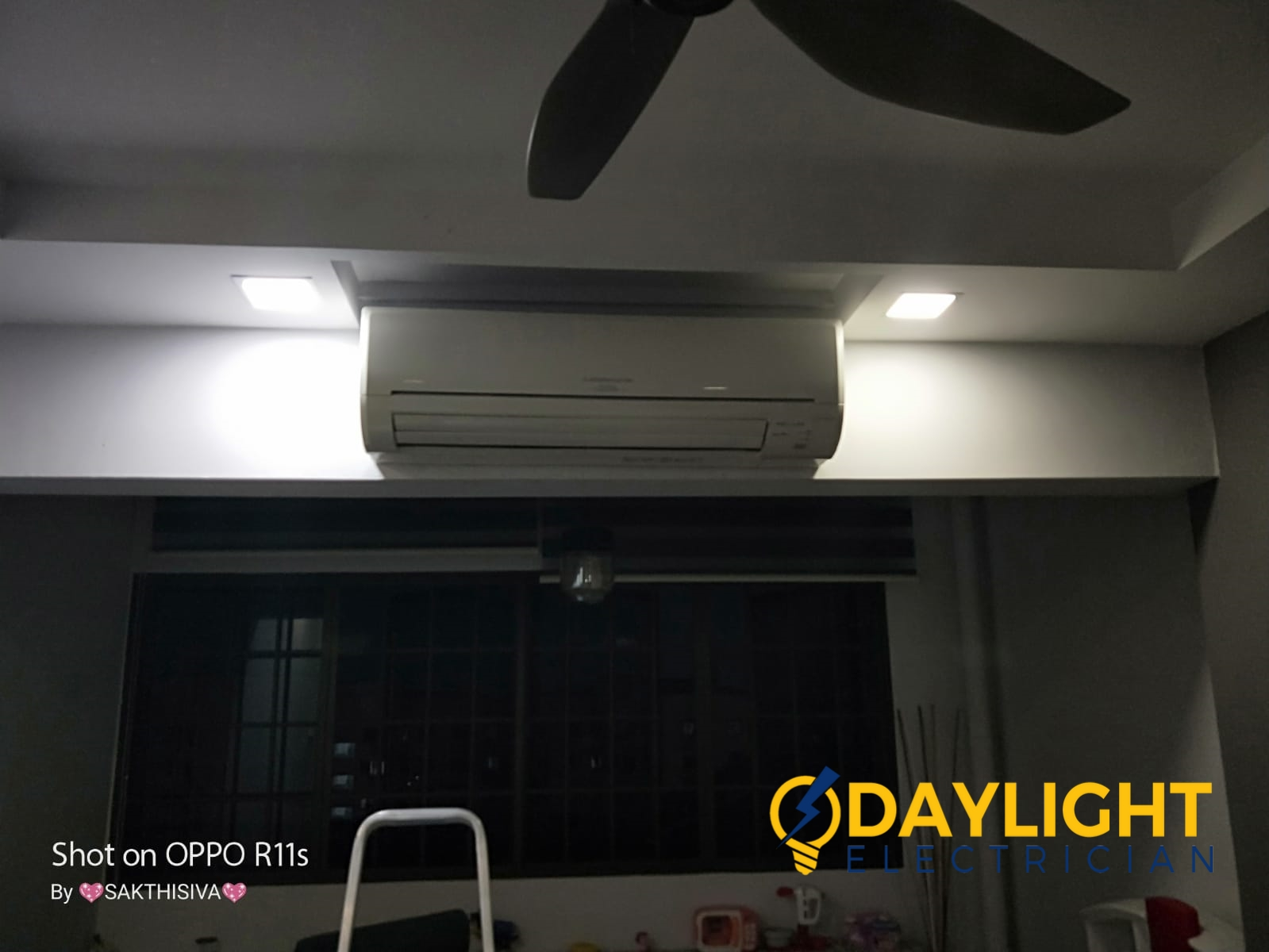 Downlight flickering Singapore HDB Choa Chu Kang Day Light Electrician Singapore (2)_wm