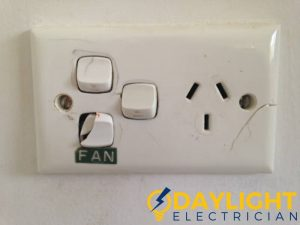 cracked-electrical-switch-light-switch-servicing-daylight-electrician-singapore