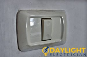 old-electrical-switch-light-switch-servicing-daylight-electrician-singapore