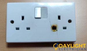 cracked-power-socket-installation-trip-daylight-electrician-singapore