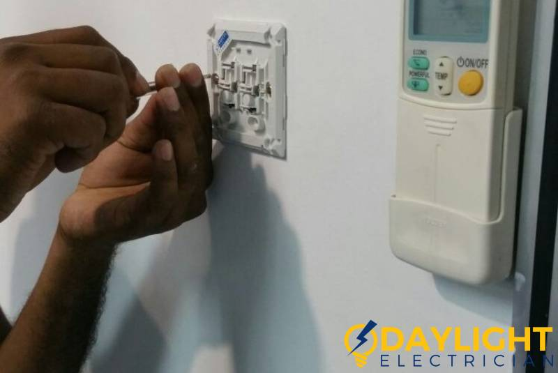 installing-new-switch-light-switch-replacement-daylight-electrician-singapore