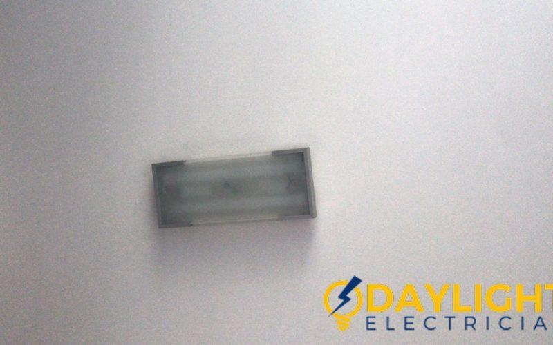 light-repair-daylight-electrician-singapore-HDB-ang-mo-kio-2_wm
