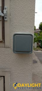 doorbell-switch-electrical-services-daylight-electrician-singapore