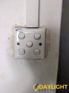 light-switch-replacement-light-switch-installation-electrician-singapore-hdb-kim-bukit-batok-1