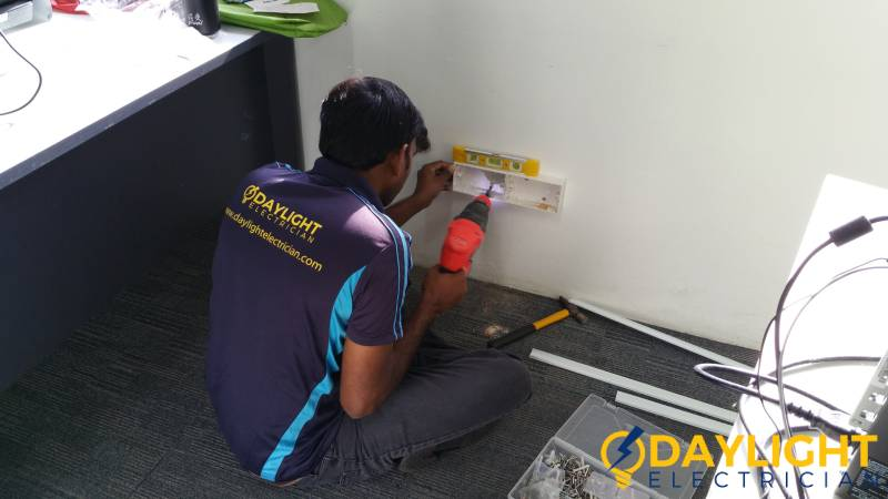 professional-electrician-electrical-services-daylight-electrician-singapore