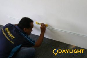 electrician-fixing-outlet-electrical-services-daylight-electrician-singapore (3)