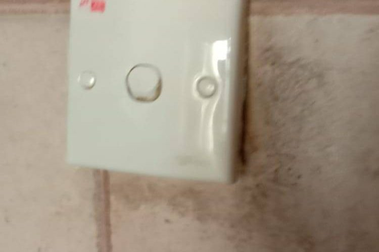 light-switch-and-socket-replacement-light-switch-services-electrician-singapore-hdb-serangoon-3