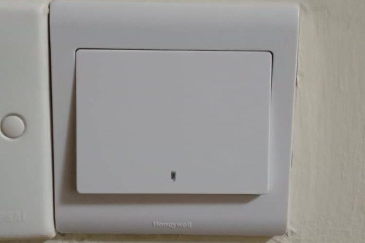 light-switch-and-socket-replacement-light-switch-services-electrician-singapore-hdb-serangoon-6