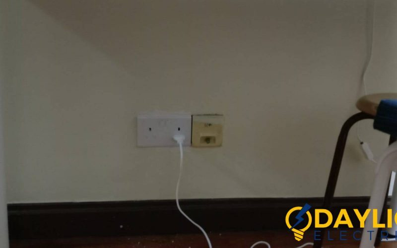 light-switch-and-socket-replacement-light-switch-services-electrician-singapore-hdb-serangoon-7
