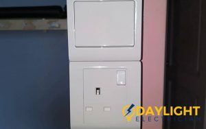 light-switch-socket-replacement-light-switch-services-electrician-singapore-hdb-simei-2