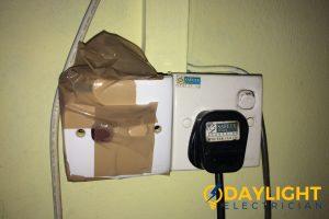diy-water-heater-repair-hdb-water-heater-switch-electrician-singapore