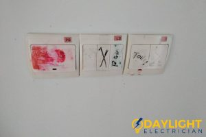light-switch-4-common-signs-faulty-water-heater-switch-daylight-electrician-singapore