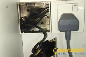 switch-problem-water-heater-switch-sparks-electrician-singapore