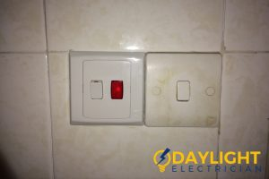 water-heater-switch-4-common-signs-faulty-water-heater-switch-daylight-electrician-singapore