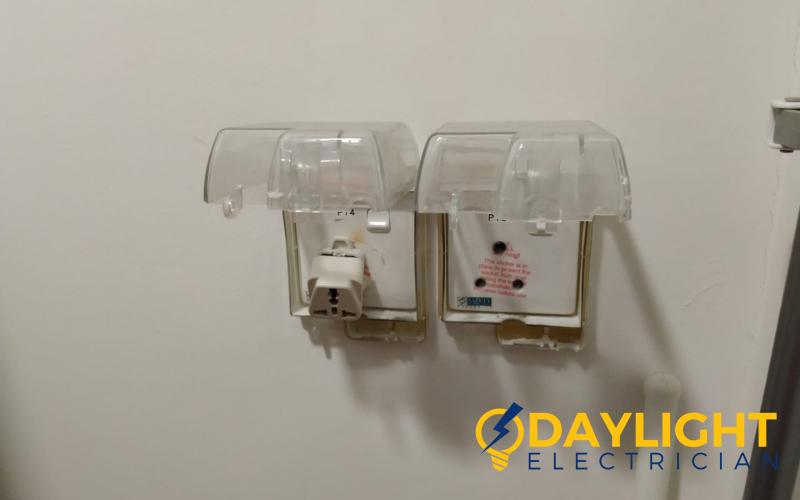 power-socket-replacement-electrician-singapore-hdb-punggol