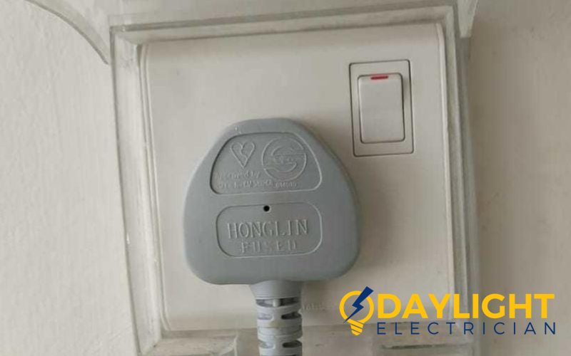 power-socket-replacement-electrician-singapore-hdb-woodlands-2
