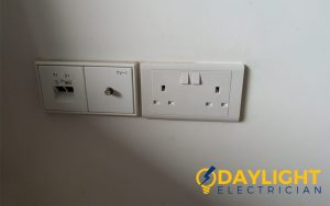power-socket-replacement-power-socket-services-electrician-singapore-condo-katong-2_wm