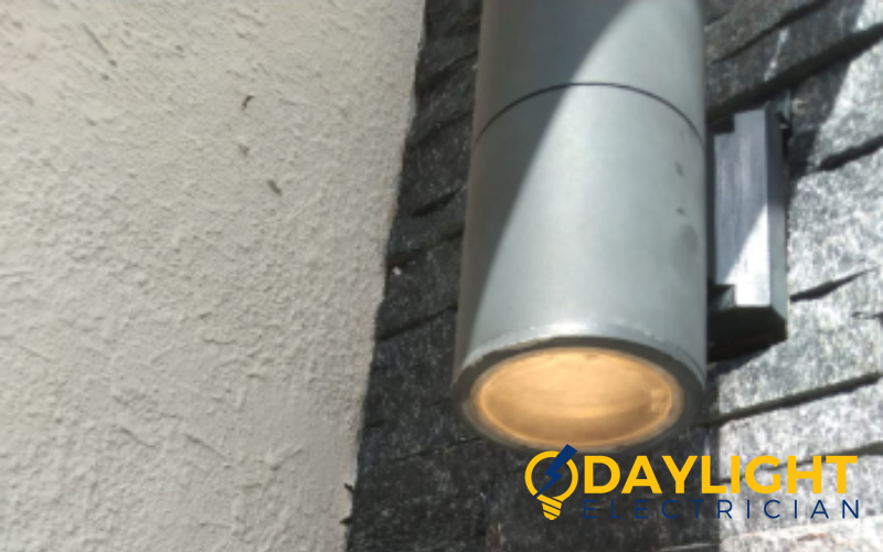 lightbulb-replacement-lightbulb-repair-light-installation-electrician-singapore-condo-marine-parade-3_wm
