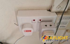 power-socket replacement-power-socket-installation-electrician-singapore-hdb-woodlands-2_wm